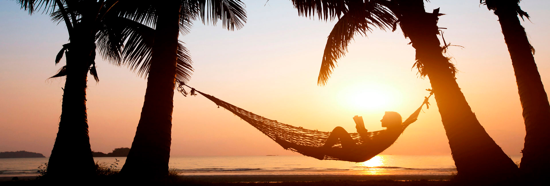 The benefits of a puerto vallarta vacation on the beach1920x650