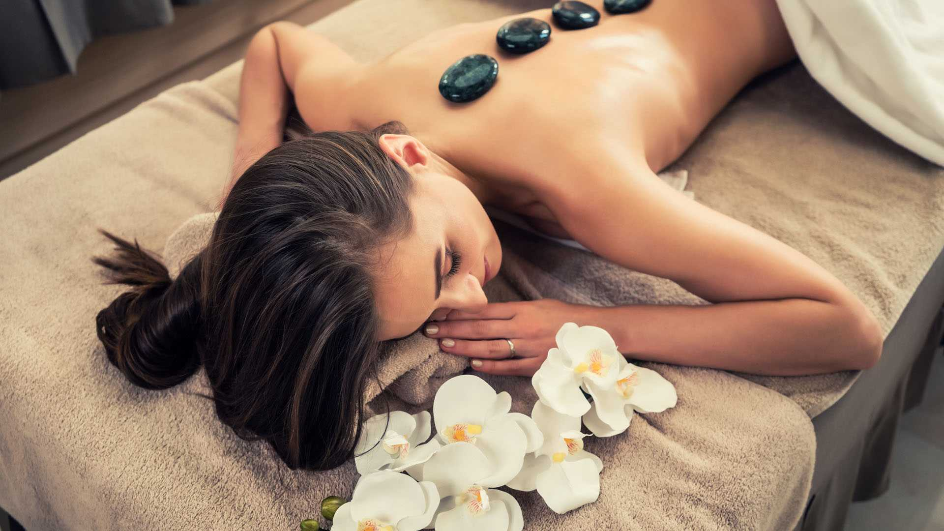 Aromatherapy And Lymphatic Massage
