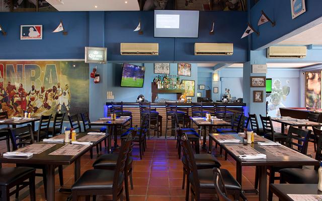 Villa del mar puerto vallarta wings sports bar 3