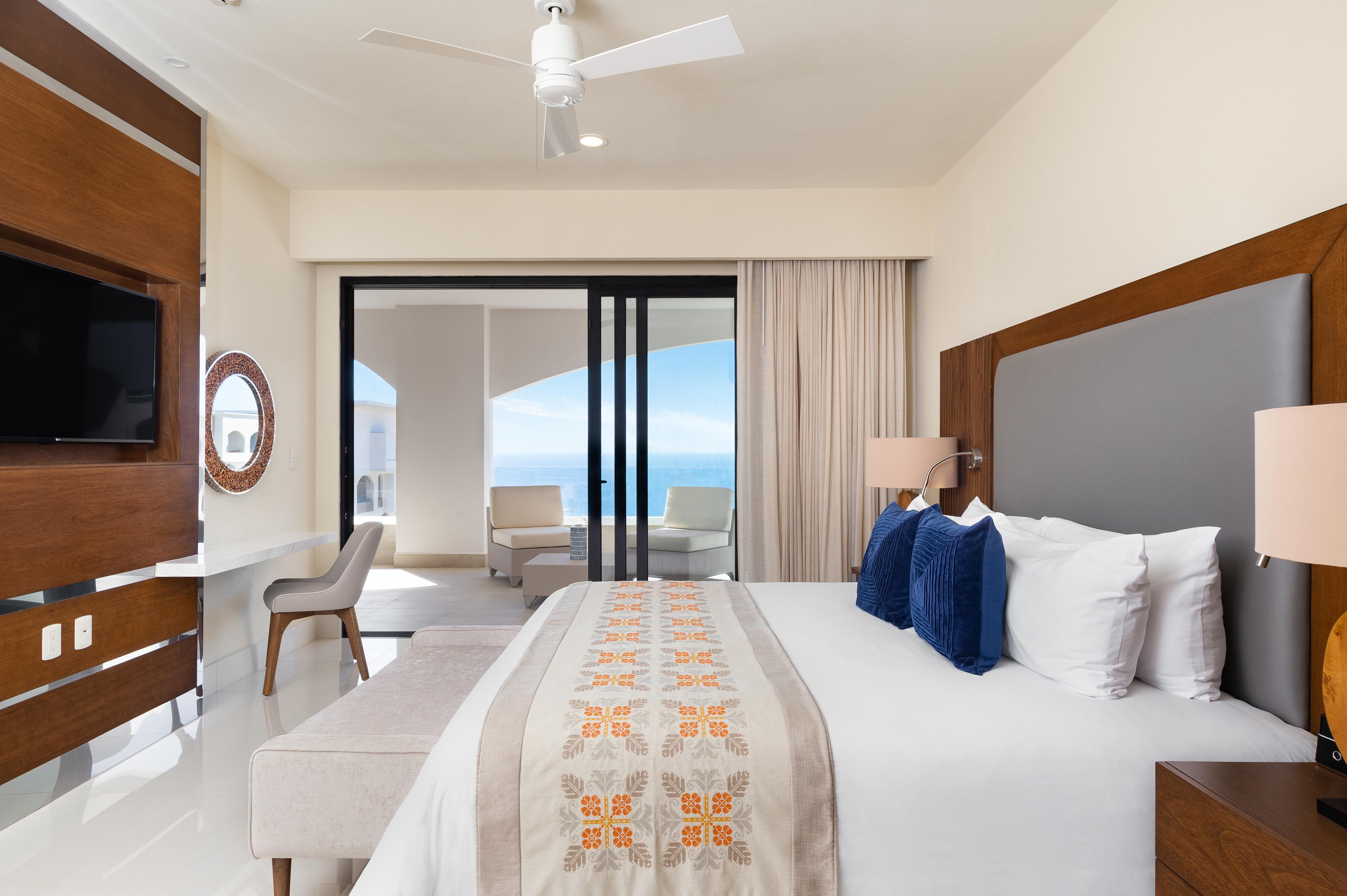 One bedroom suite ocean view 12  1