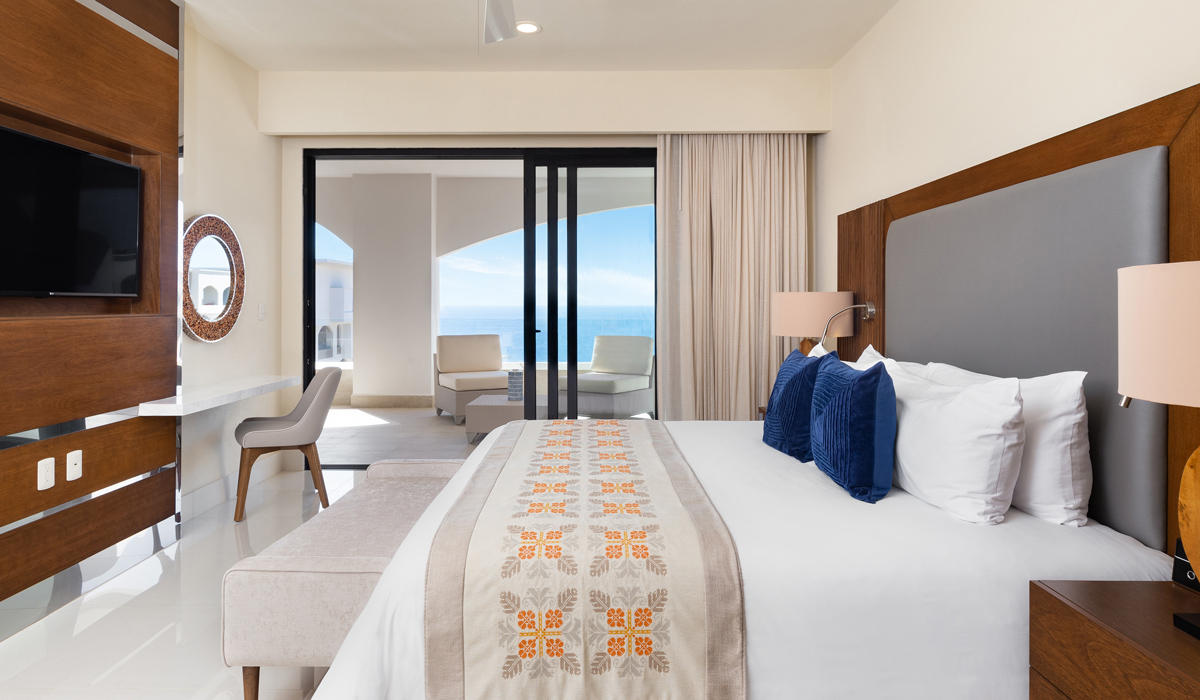 One bedroom suite ocean view 12 slide