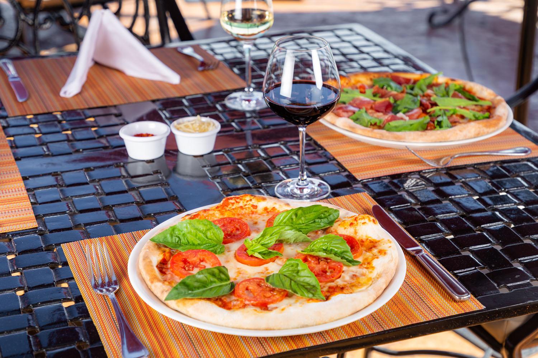 Pizza bar 14