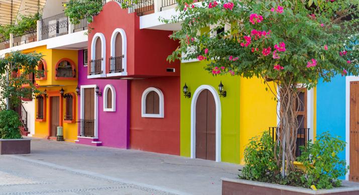 Camine Por Las Calles Del Viejo Vallarta Por Galerias Y Arte En Abundancia