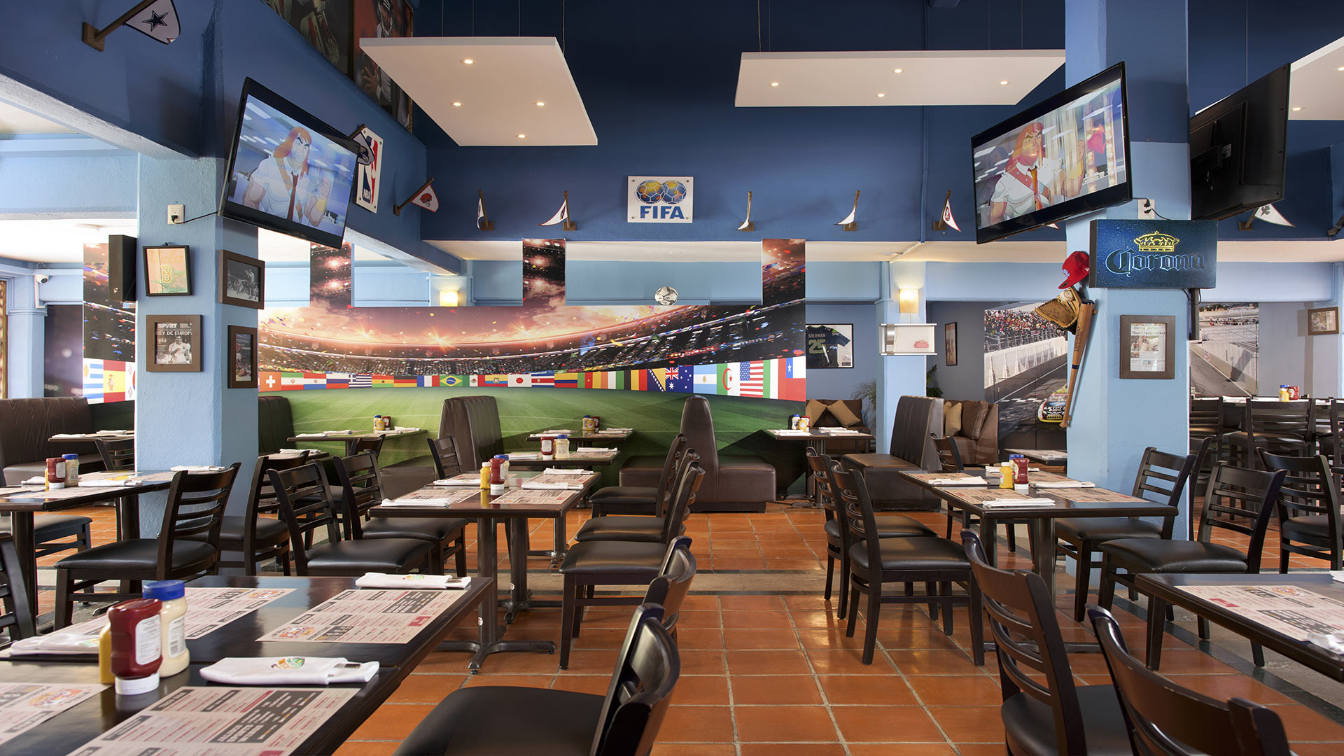 Villa del mar puerto vallarta wings sports bar 4
