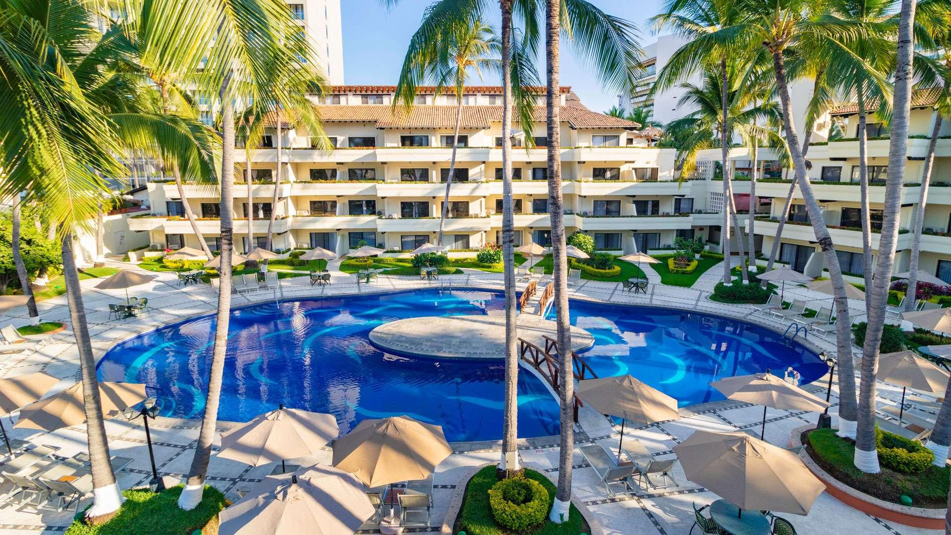 Optimizada villa del mar puerto vallarta pool cover